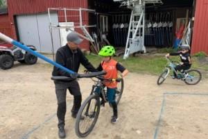 Succé för cykling i Tjamstanbackarna – 500 besökare på premiären