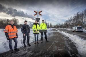 Livsfarliga beteenden vid obevakad järnvägsövergång