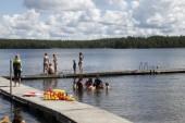 Livförsäkringen – här lär sig barnen att simma i sommar