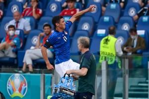 Rekordbra av Italien – Schweiz i ovisshet