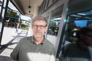 """Smittan är tillbaka inom äldreomsorgen – Mäkitalo vill se tredje dos: """"Vi är lite sent ute i Sverige"""""""