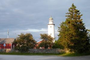 Gör ett besök vid mysiga Fårö fyr