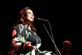 Recension: Lisa Nilsson gjorde succé på Sara kulturhus stora scen
