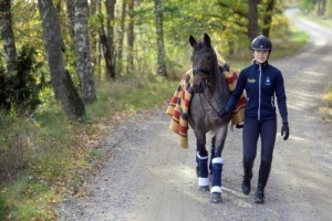 Tilda fick problem med dansande ponny