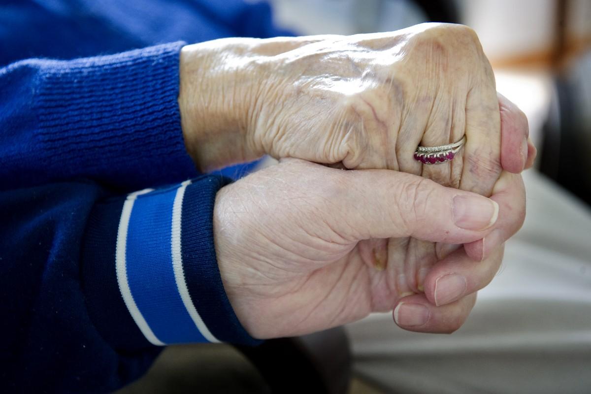 Årsrika måste kunna träffa sina älskade
