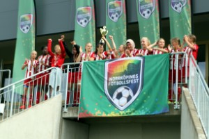 Norrköpingslag lyfte pokalen i fotbollsfesten
