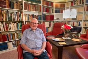 Böckerna har varit hans liv – nu splittras boksamlingen