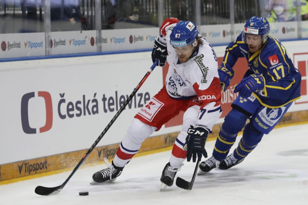 Mål och assist av Lindholm när Sverige föll på övertid