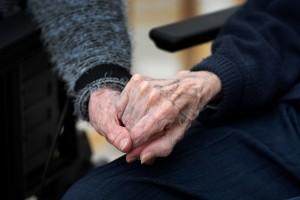 Ge våra äldre och multisjuka den omsorg de behöver