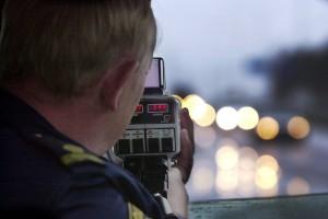 Misstänkt rattfull körde 141 kilometer på 100-väg