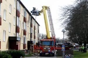 Lägenheten måste saneras efter branden