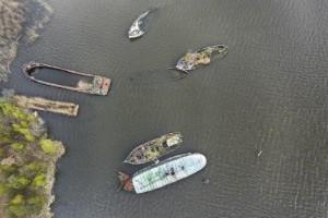 Därför ligger båtkadavren kvar i vattnet – efter 24 år
